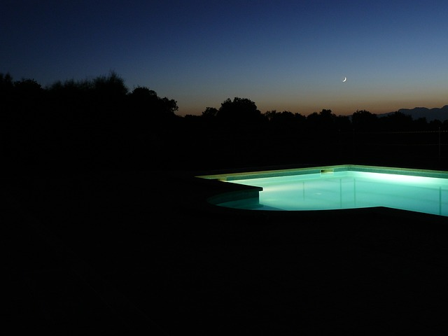 osvětlený bazén.jpg
