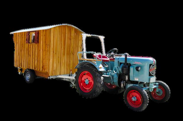 maringotka za traktorem