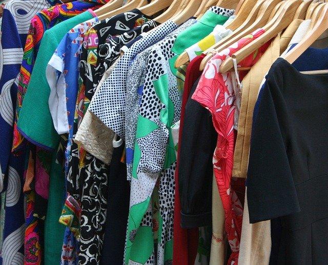 Kde nakoupit levně módu?