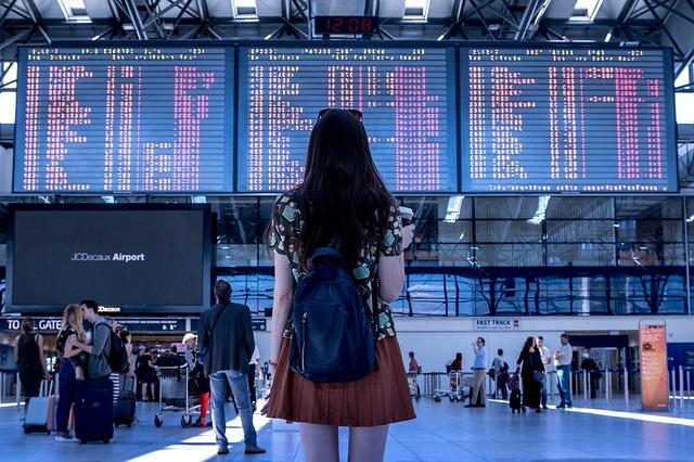 Létejte do zahraničí jen s příručním zavazadlem